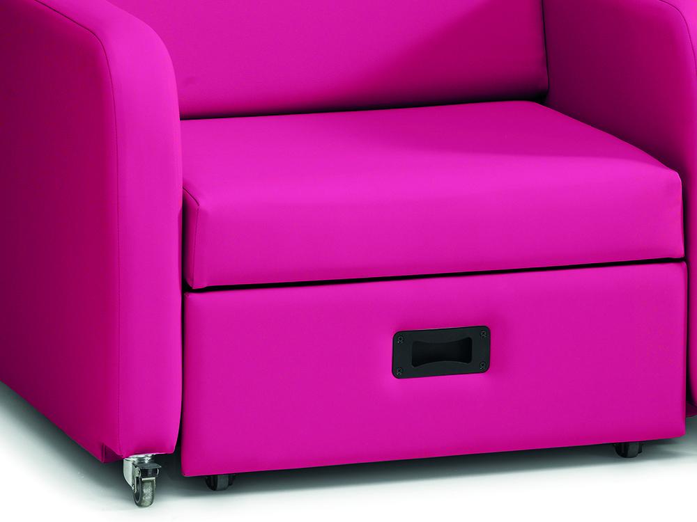 OSKA® Pressure Care Seating_OSKA OverNight Pressure Care Chair_Action