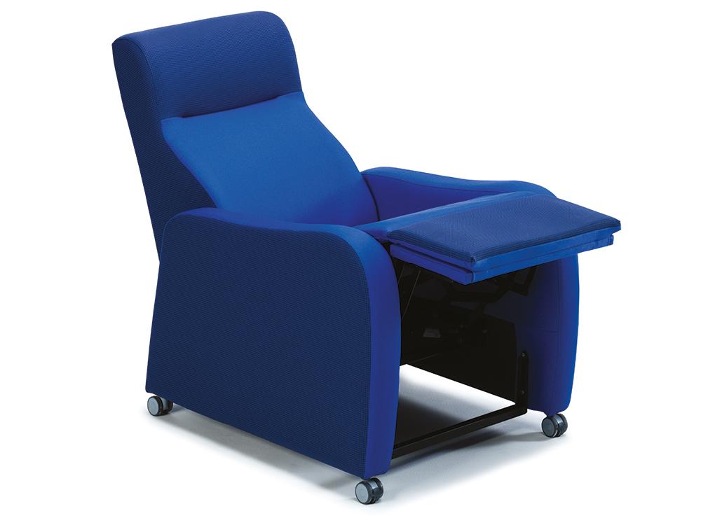 OSKA® Pressure Care Seating_OSKA Sierra Pressure Care Chair_tilt in space
