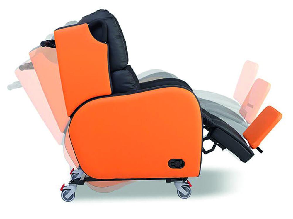 OSKA® Pressure Care Seating_OSKA Tune Pressure Care Chair_Tilt in space