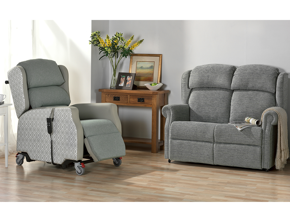 The ultimate rise and recline chair. - For years the care industry has needed a chair that can offer extreme patient comfort and pressure relief whilst being easy to manoeuvre for care staff.Combining postural support and pressure management, the OSKA Regis brings the ultimate solution for reducing pressure and shear forces.