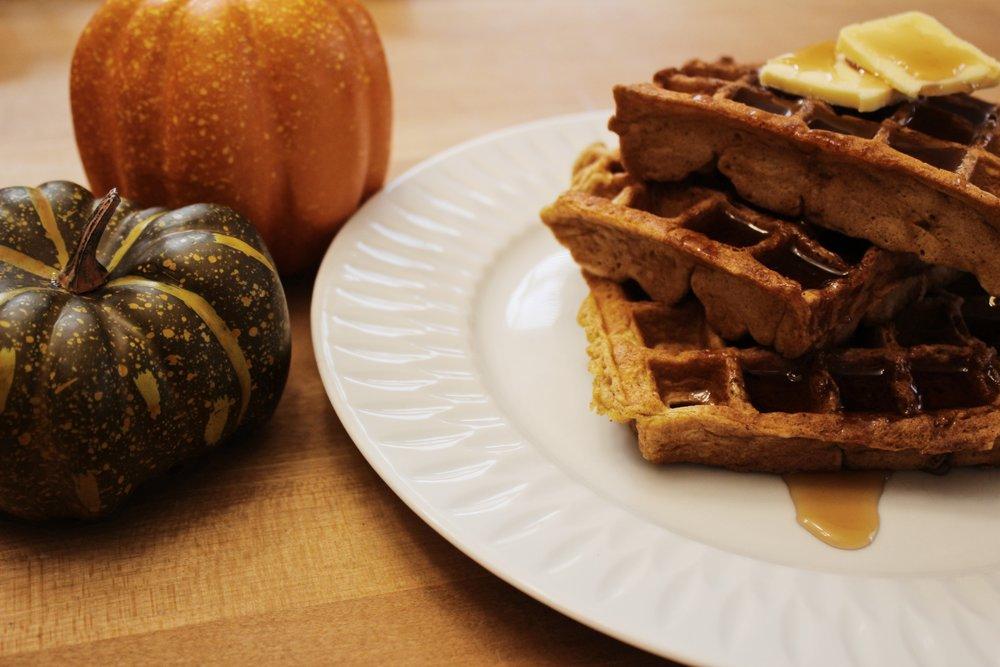 Spiced pumpkin waffles5.JPG