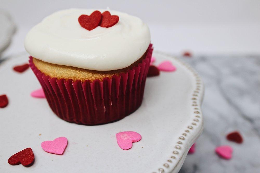 heart-cutout-cupcakes3