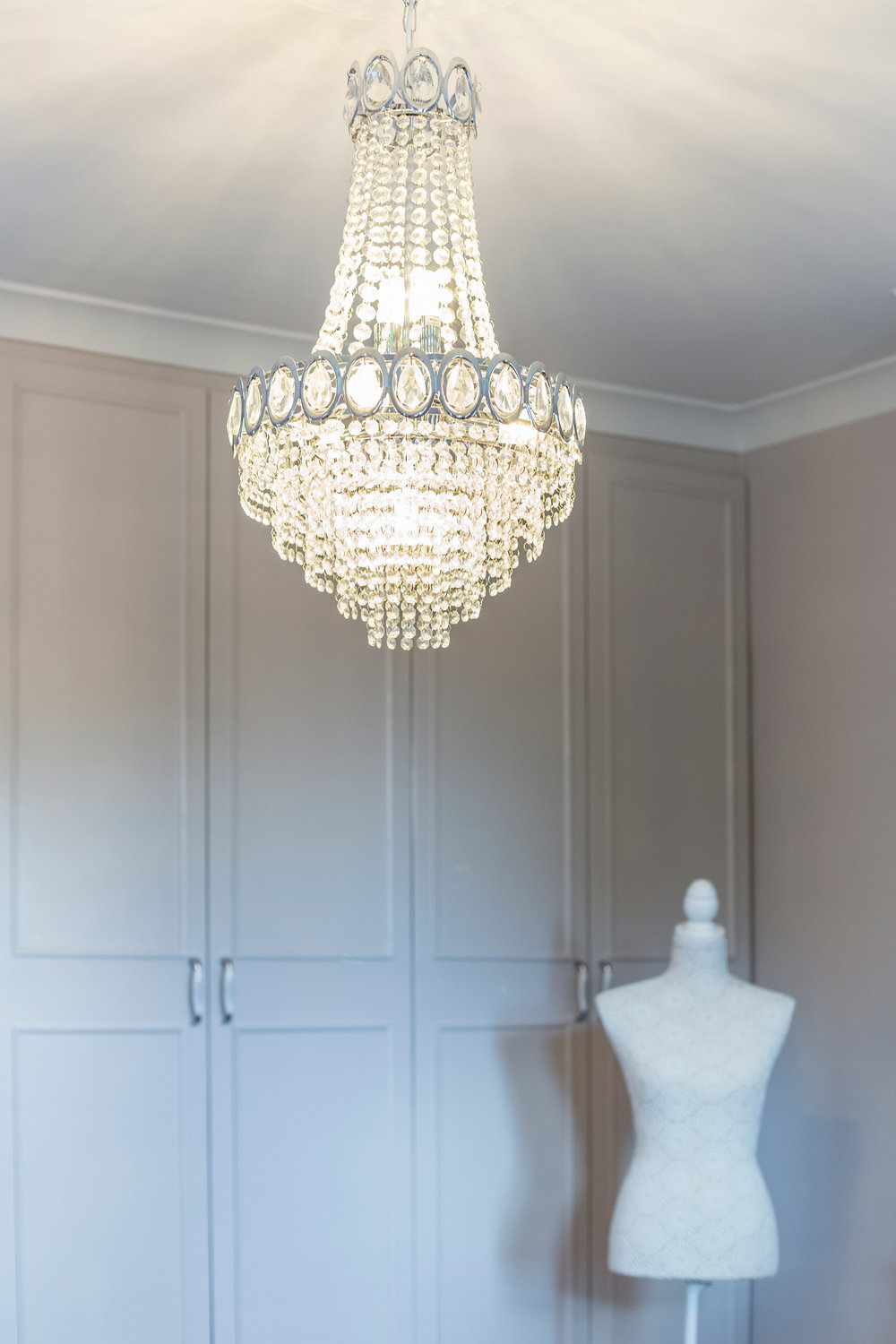 wimbledon-interior-design-chandelier.jpg