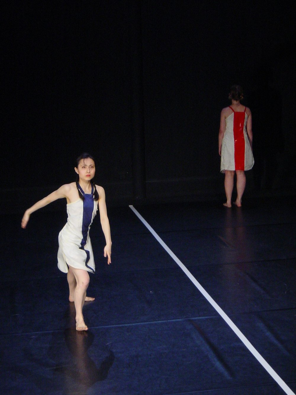 Festival Univ'Art'Cité , Théâtre Gérard Philipe, Saint-Denis, France (2002). Work:   Reflect .  Dancers: Christina Towle & Masayo Amae