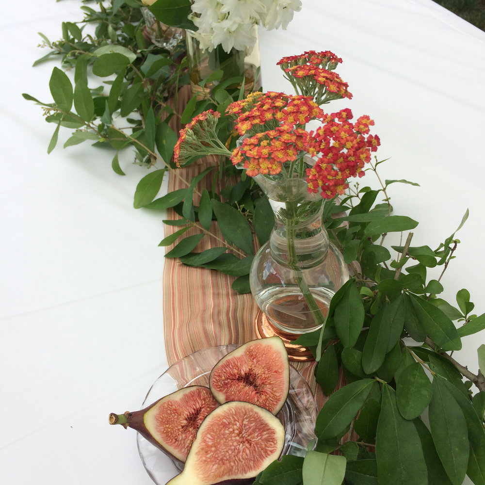 Wood and Rose | Tablescape