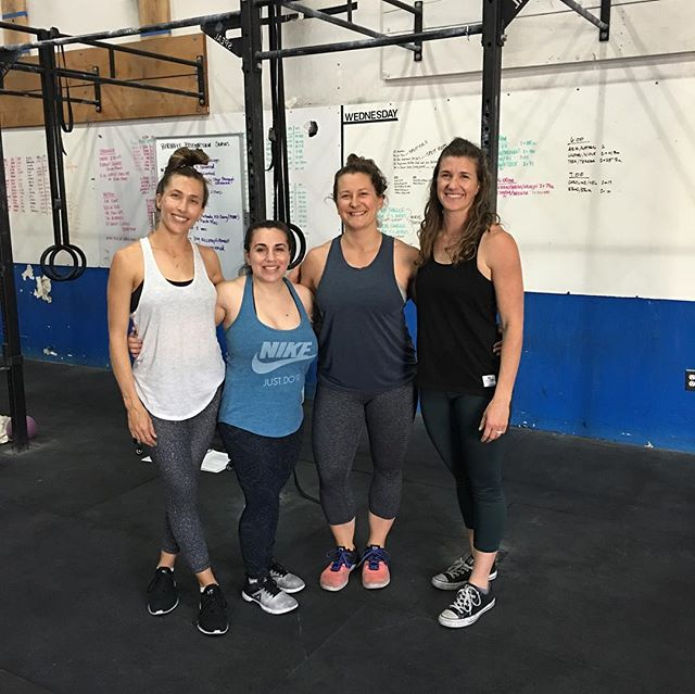 C O N N E C T I O N • We wrapped up our Spring Postpartum Series last week, and dang I'm already missing these ladies and their little men! • We had such a blast connecting, sharing, and showing up for each other that some sessions we'd almost forget to workout! • These ladies show much strength in so many ways, and I felt honored to have them in this group! 💚💚💚💚💚 • • • • @birthfit @birthfit_sandiego @barcardnbiceps @leahmetcalfe_ @lbr1105 @birthfitcoach • #birthfitsandiego #birthfit #birthfitcoach #fitness #nutrition #mindset #connection #postpartum #postpartumfitness #postpartumjourney #intentionaltraining #functionalmovement #movementislife #birthfittribe #empoweredwomen