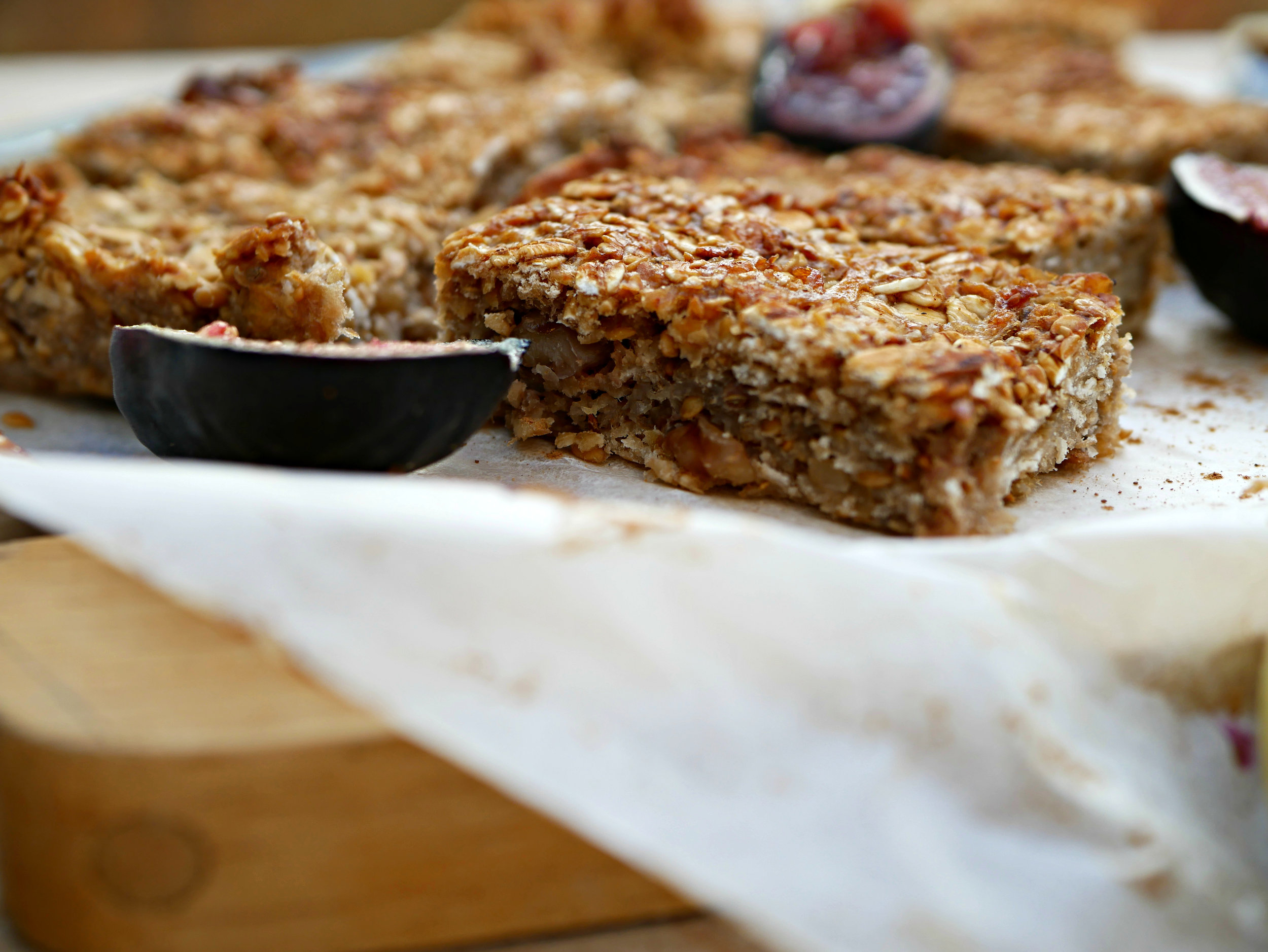 fig and apple bars