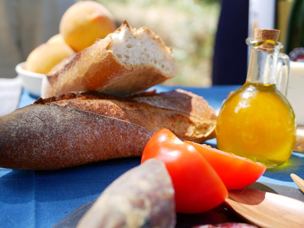 Bread tomato.jpg