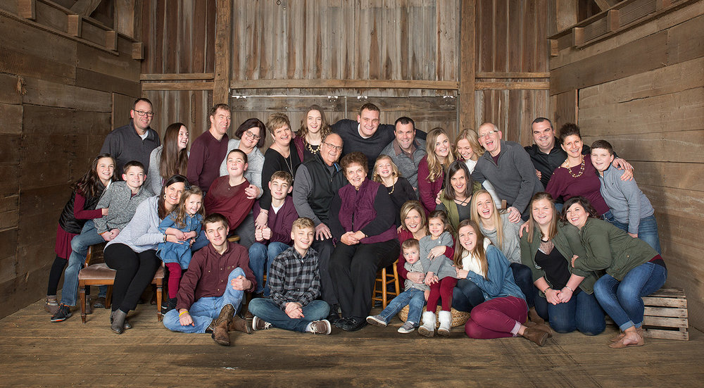 Maria Stein Ohio, large family picture, extended family portrait, family clothing, rustic location, barn location, barn portrait, fun family portrait, candid family