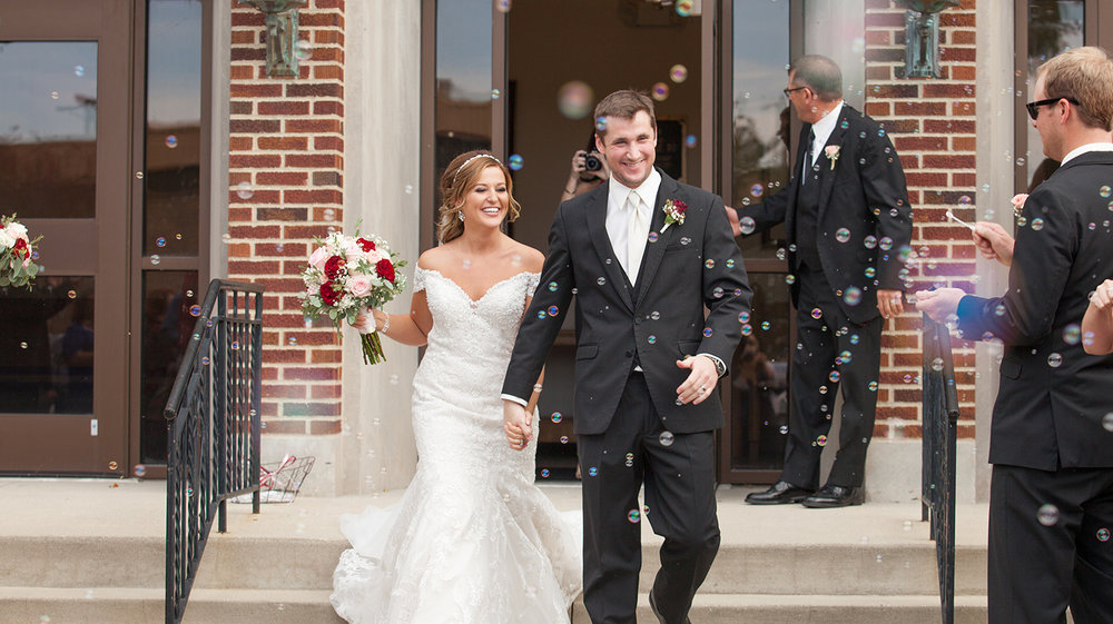 Celina Ohio, storytelling photography, candid wedding photography, bubbles, lace wedding dress