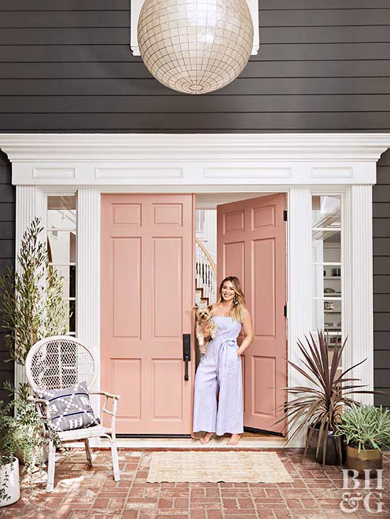 https://www.bhg.com/decorating/makeovers/before-and-after/hilary-duff-home-tour/?utm_campaign=emailshare&utm_medium=email&utm_source=emailshare&utm_content=d2c7a2d7-ed2d-39e8-b3d7-8a92893d7df1
