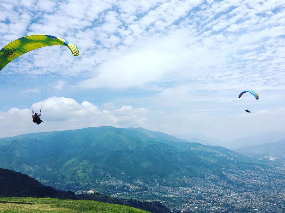 Paragliding1.jpg