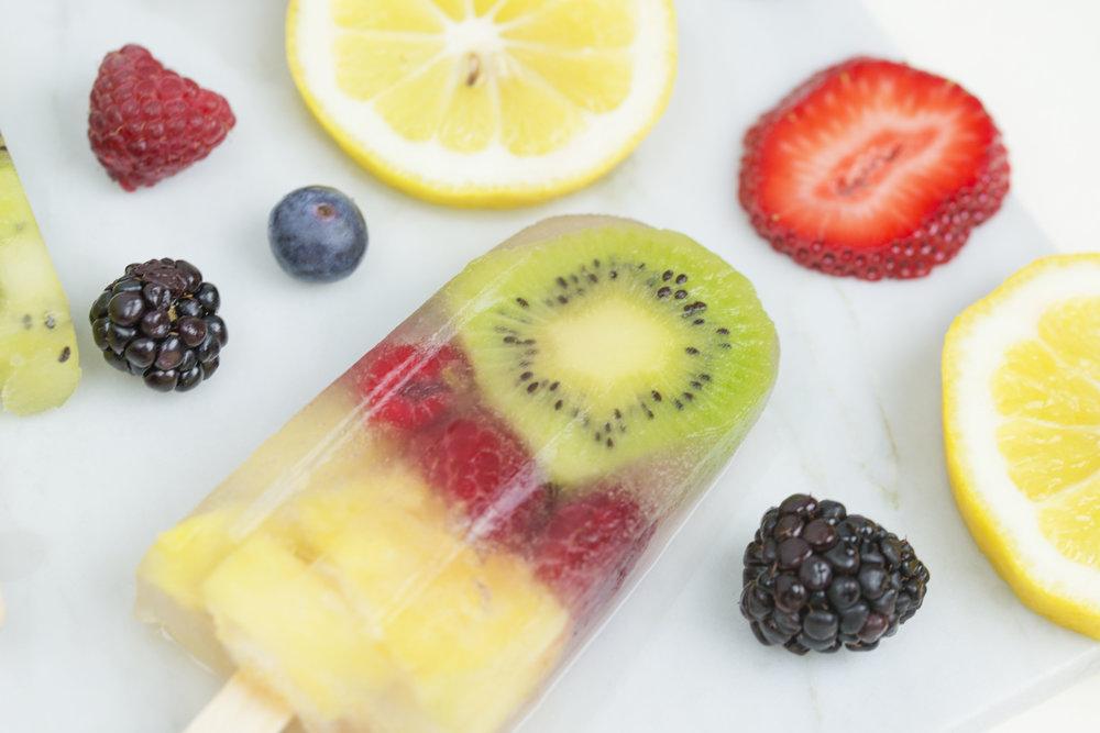 mixed-and-measure-food-blog-fuit-pop-popsicles-recipe.4.jpg