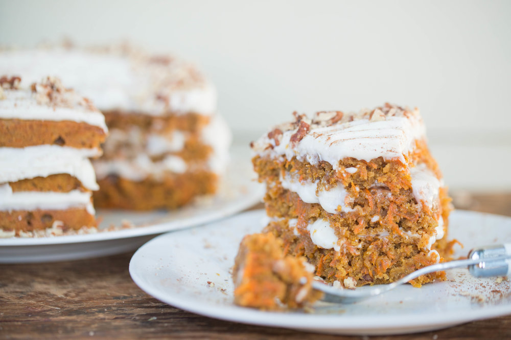 MIXED-AND-MEASURED-CARROT-CAKE_DSC_3265.jpg