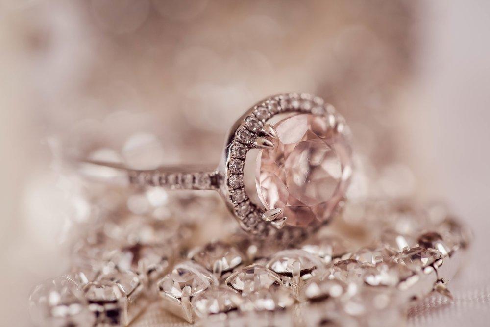 diamond-2594307.jpg