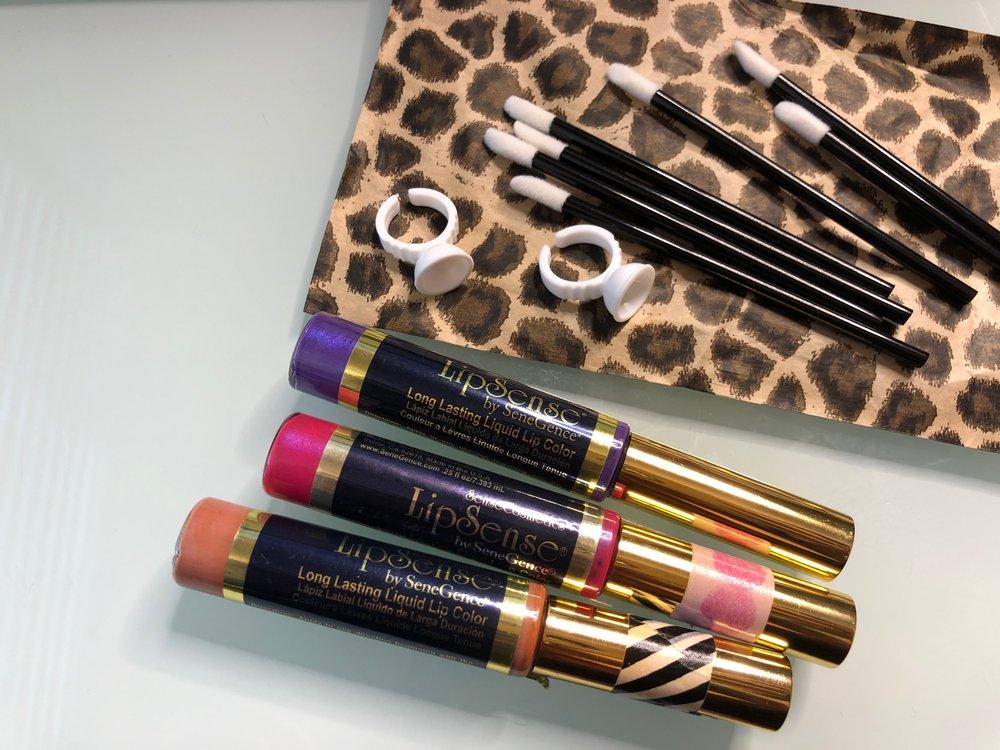 Mixing LipSense Lip Colors with Kit.JPG