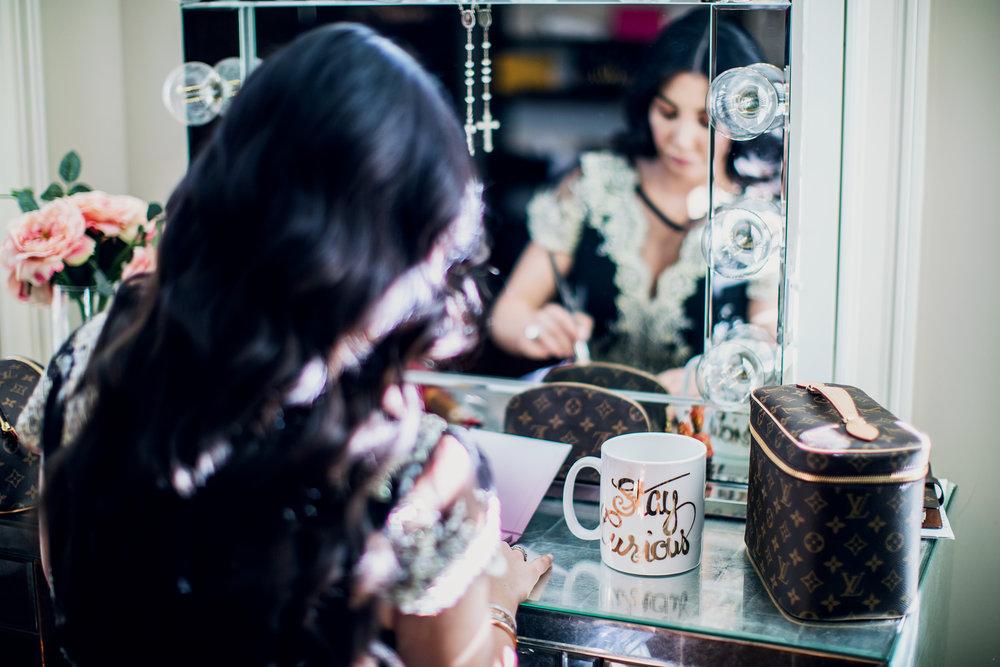 GoingGosnell.BeautyBlogger.ImpressionsMirror.Makeup.jpg