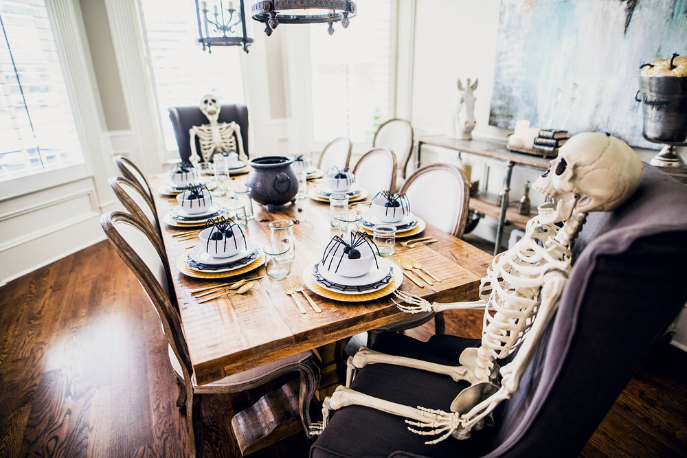 GoingGosnell.DiningRoom.Halloween.JPG