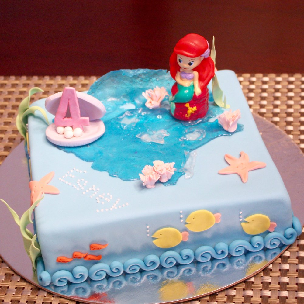 Mermaid kids birthday cake made by Gusta Cooking Studio