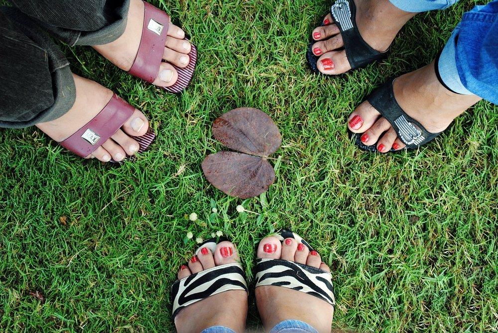foots-73310_1280.jpg