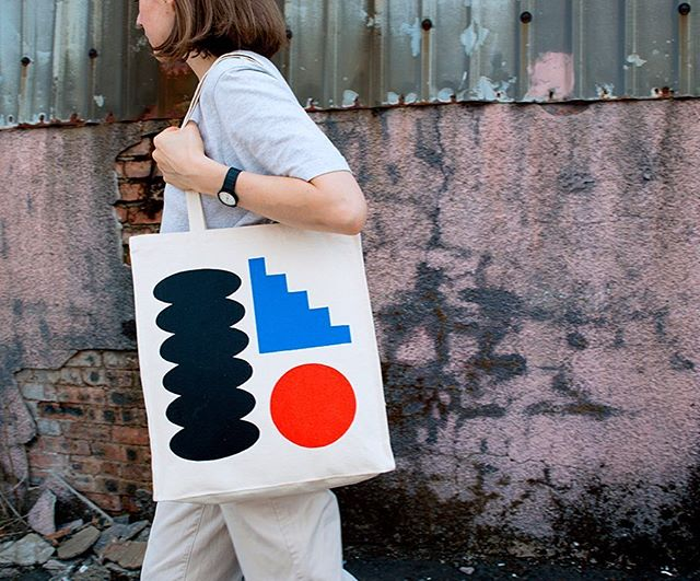 OBJECTS bag now available to buy over at @living.casual.  3-colour screenprint on heavyweight canvas bag ⚫️🔴🔵