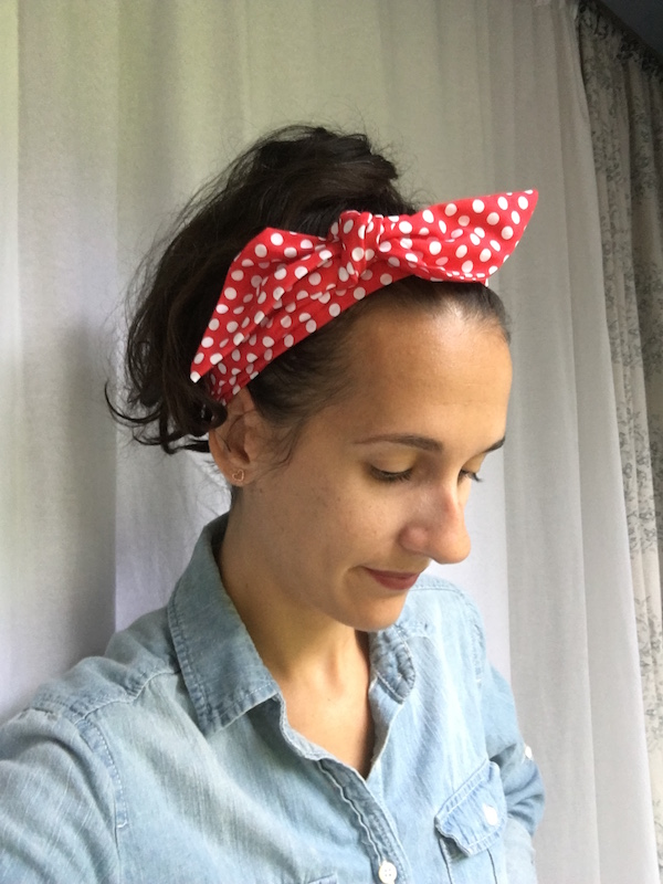 Lindsay demonstrates The Traditionalist with an adorable polka dot hair scarf.