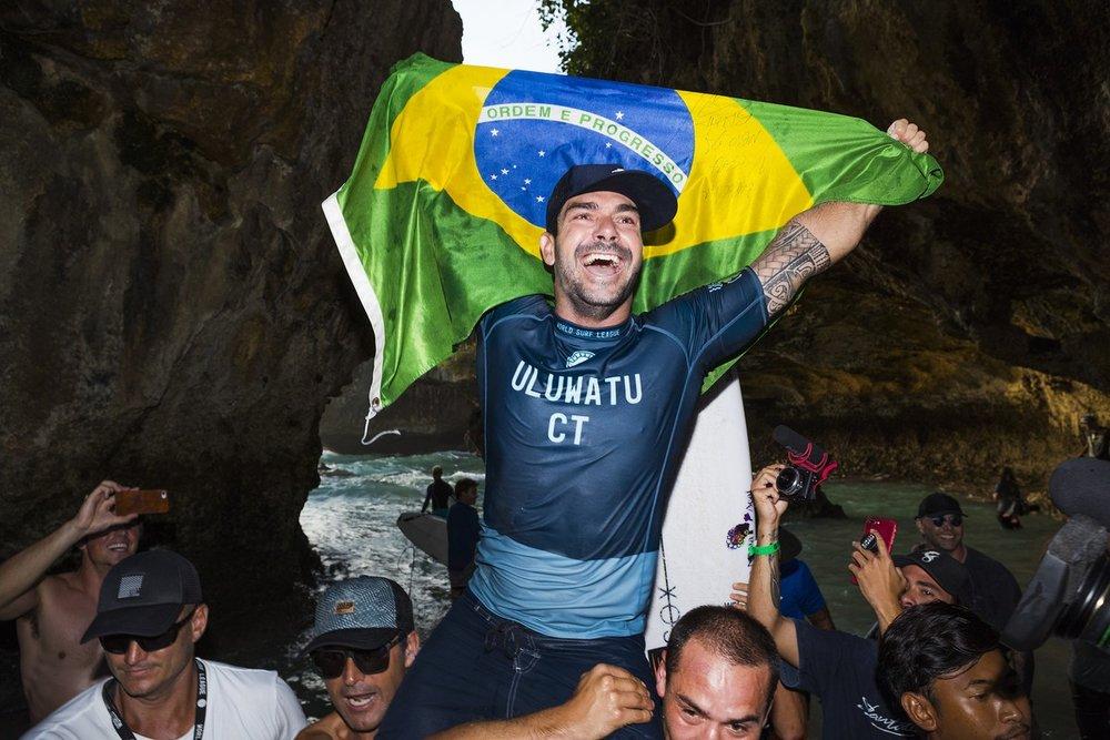 Go Panda! - Willian Cardoso leva sua primeira etapa na elite do surf e sobe para o top 5!