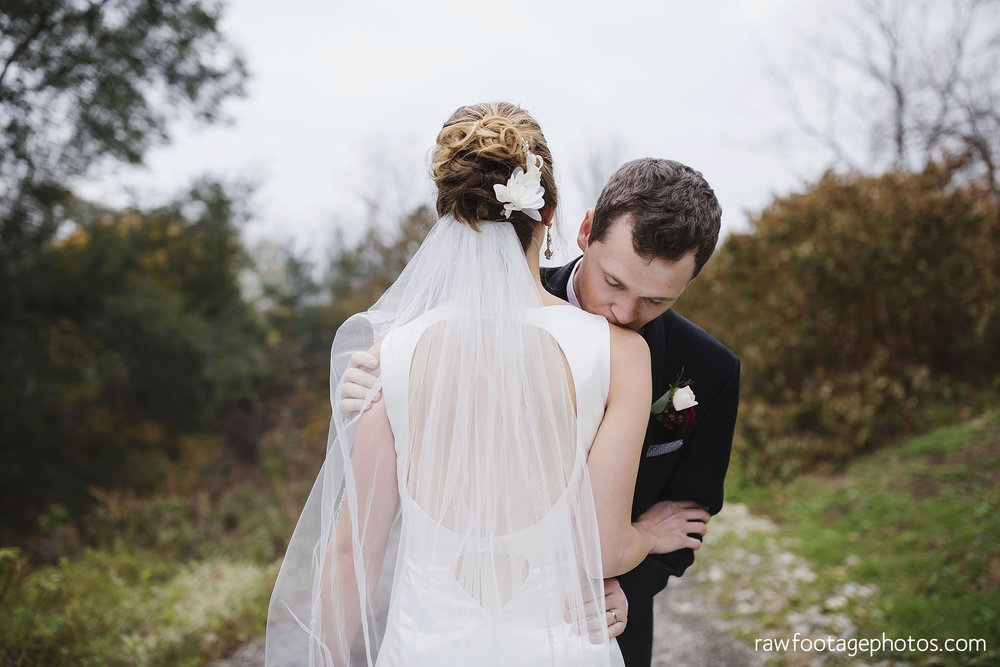 london_ontario_wedding_photos-fall_wedding_photography-raw_footage_photography-elm_hurst_inn_wedding031.jpg