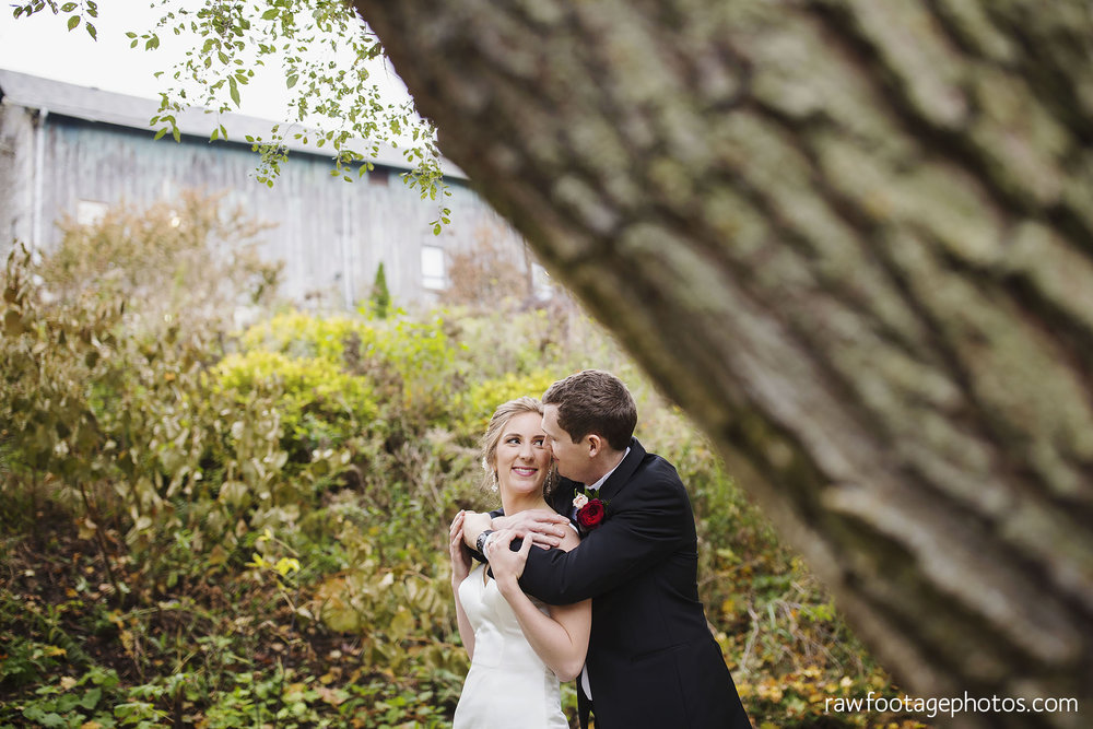 london_ontario_wedding_photos-fall_wedding_photography-raw_footage_photography-elm_hurst_inn_wedding039.jpg