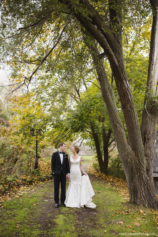 london_ontario_wedding_photos-fall_wedding_photography-raw_footage_photography-elm_hurst_inn_wedding038.jpg