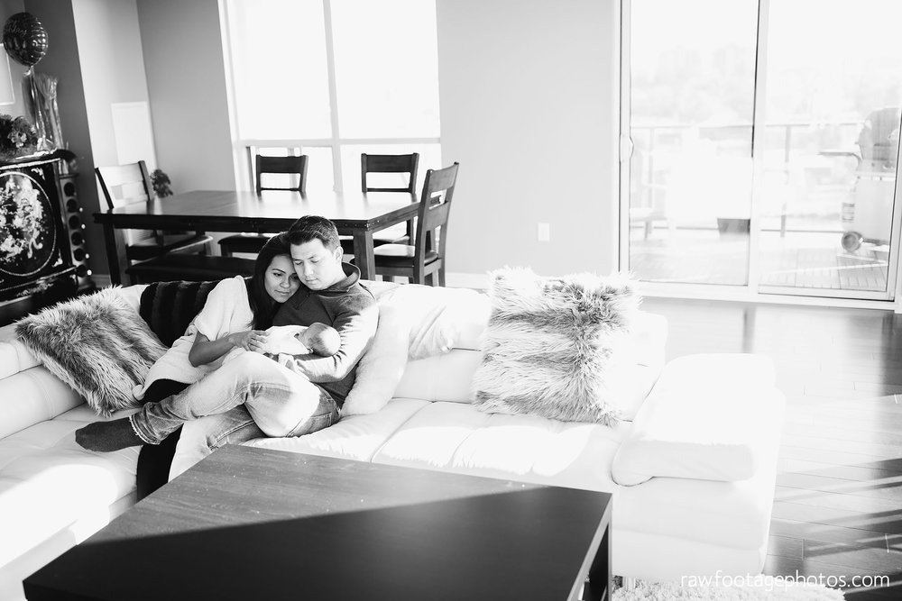 London_Ontario_Photographer-Newborn_Lifestyle_Photography-Baby-Photos-Lifestyle_Photographer-Raw_Footage_Photography-In_Home_Newborn_Session031.jpg