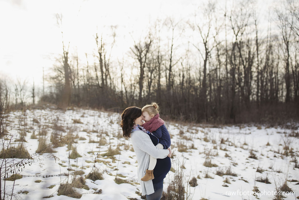 London_Ontario_Maternity_Photographer-Maternity_Session-Family_Photography-Winter_Photos-Raw_Footage_Photography008.jpg