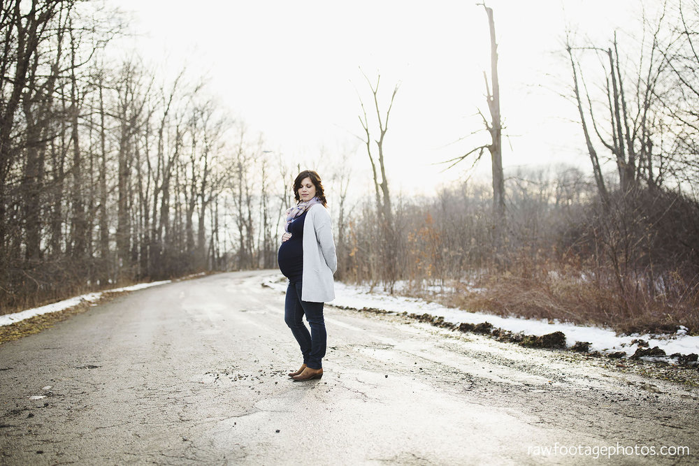 London_Ontario_Maternity_Photographer-Maternity_Session-Family_Photography-Winter_Photos-Raw_Footage_Photography019.jpg