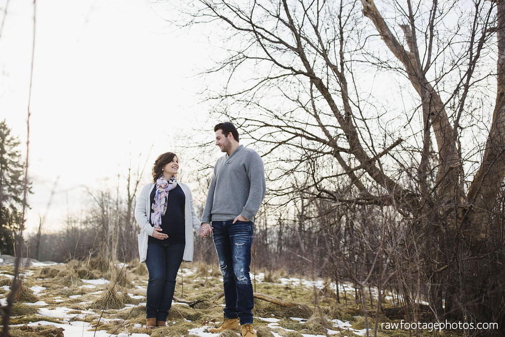 London_Ontario_Maternity_Photographer-Maternity_Session-Family_Photography-Winter_Photos-Raw_Footage_Photography026.jpg