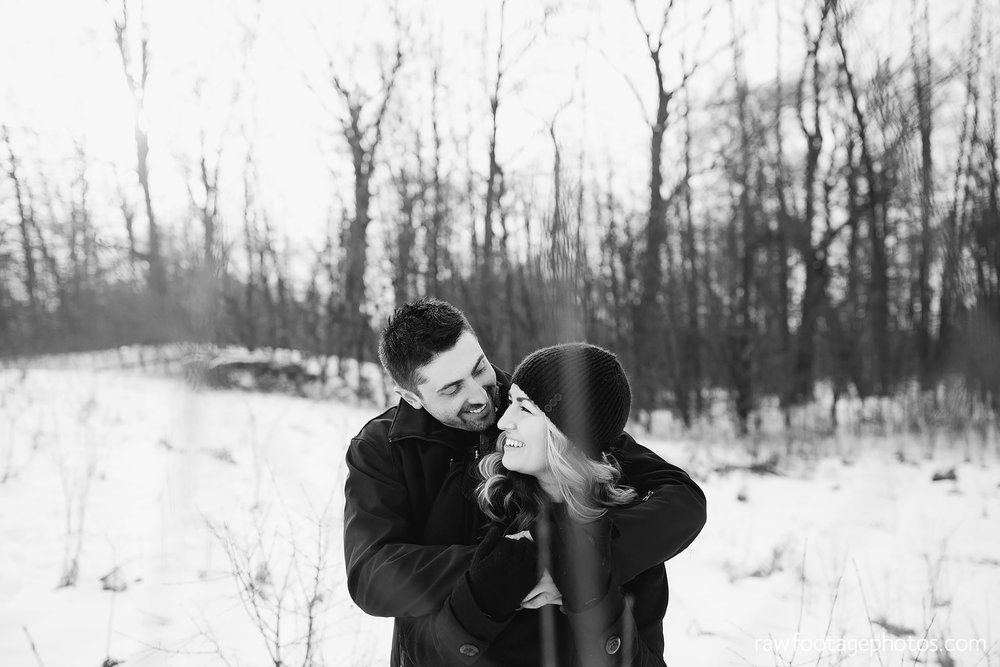 london_ontario_wedding_photographer-engagement_session-winter_engagement_photos-raw_footage_photography004.jpg