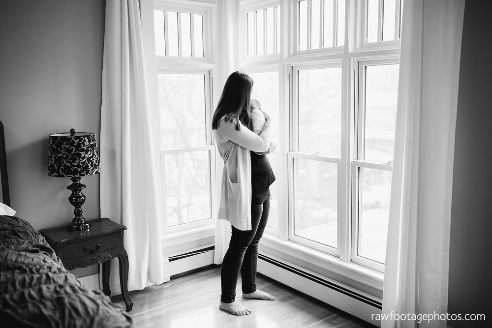 london_ontario_newborn_photographer-lifestyle_newborn_photography-in_home_newborn_session-raw_footage_photography016.jpg