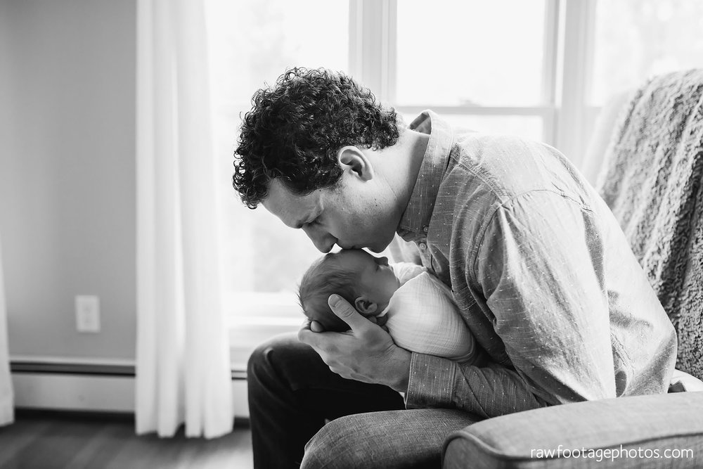 london_ontario_newborn_photographer-lifestyle_newborn_photography-in_home_newborn_session-raw_footage_photography024.jpg