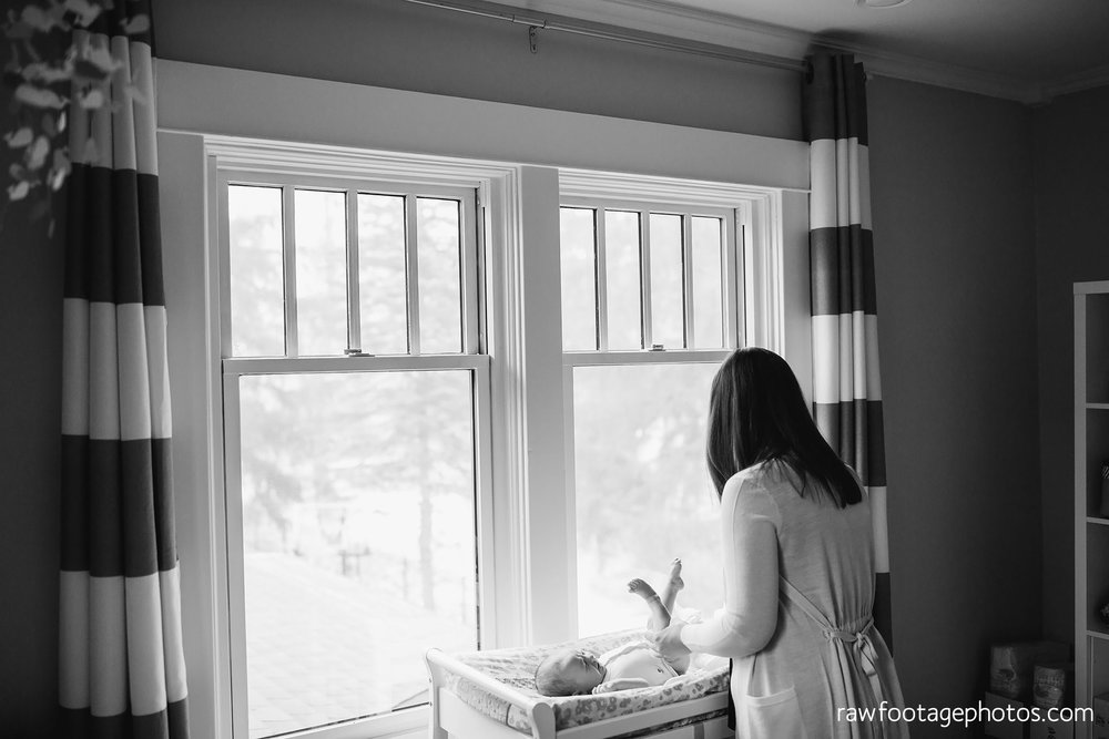 london_ontario_newborn_photographer-lifestyle_newborn_photography-in_home_newborn_session-raw_footage_photography038.jpg