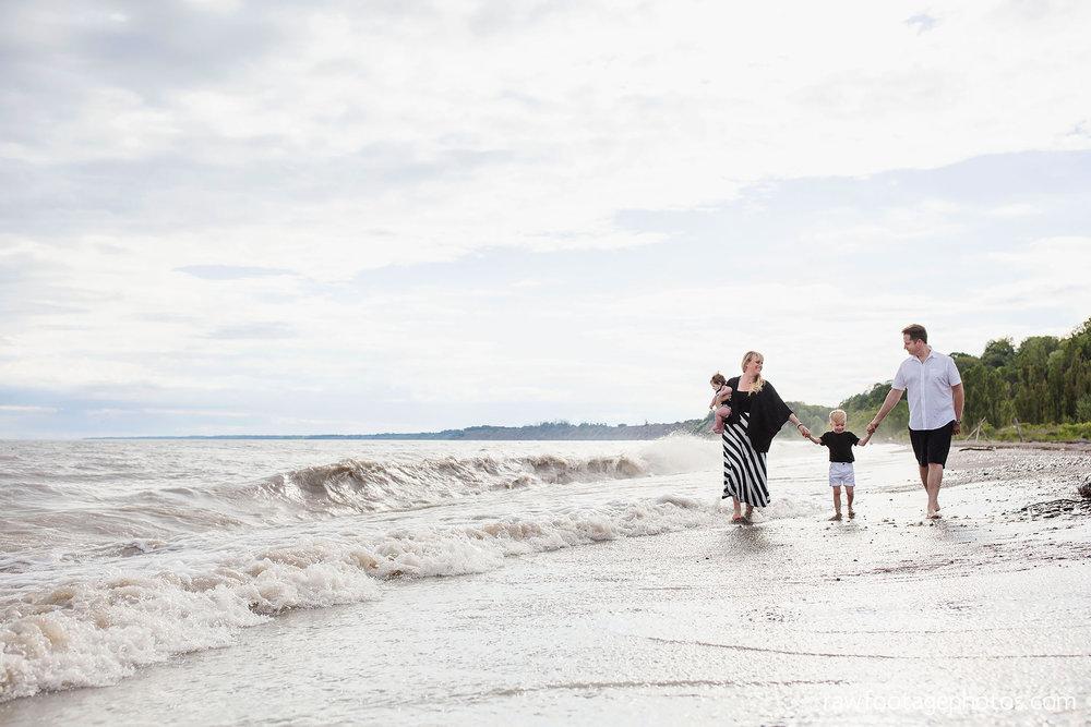 london_ontario_photographer-raw_footage_photography-beach_minis-port_stanley_beach-family_photographer-couple_photographer-lifestyle_photographer046.jpg