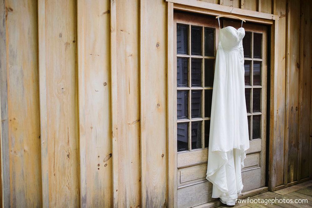 london_ontario_wedding_photographer-century_wedding_barn-raw_footage_photography-diy_wedding013.jpg