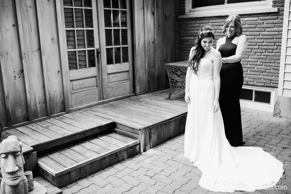 london_ontario_wedding_photographer-century_wedding_barn-raw_footage_photography-diy_wedding019.jpg