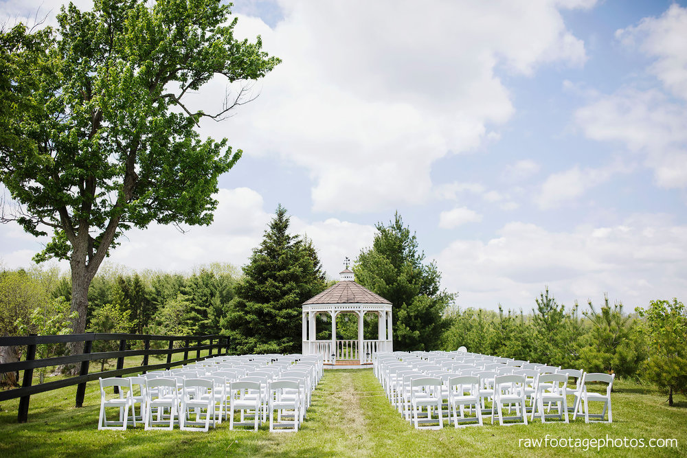 london_ontario_wedding_photographer-century_wedding_barn-raw_footage_photography-diy_wedding023.jpg