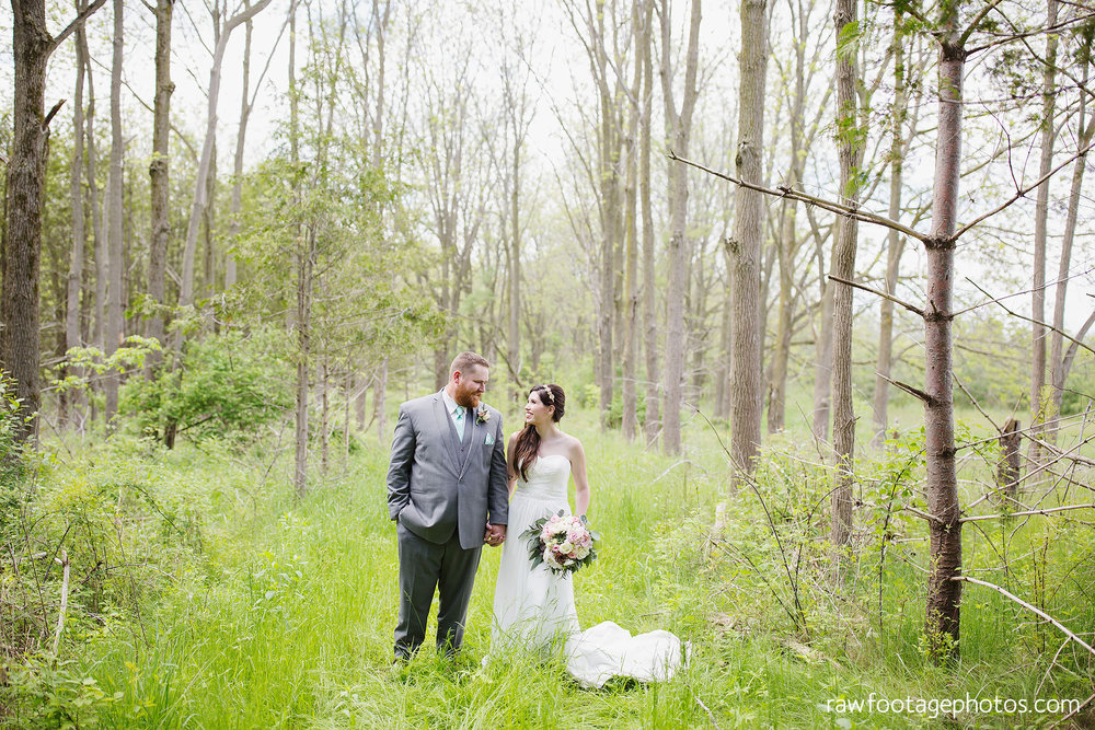 london_ontario_wedding_photographer-century_wedding_barn-raw_footage_photography-diy_wedding039.jpg