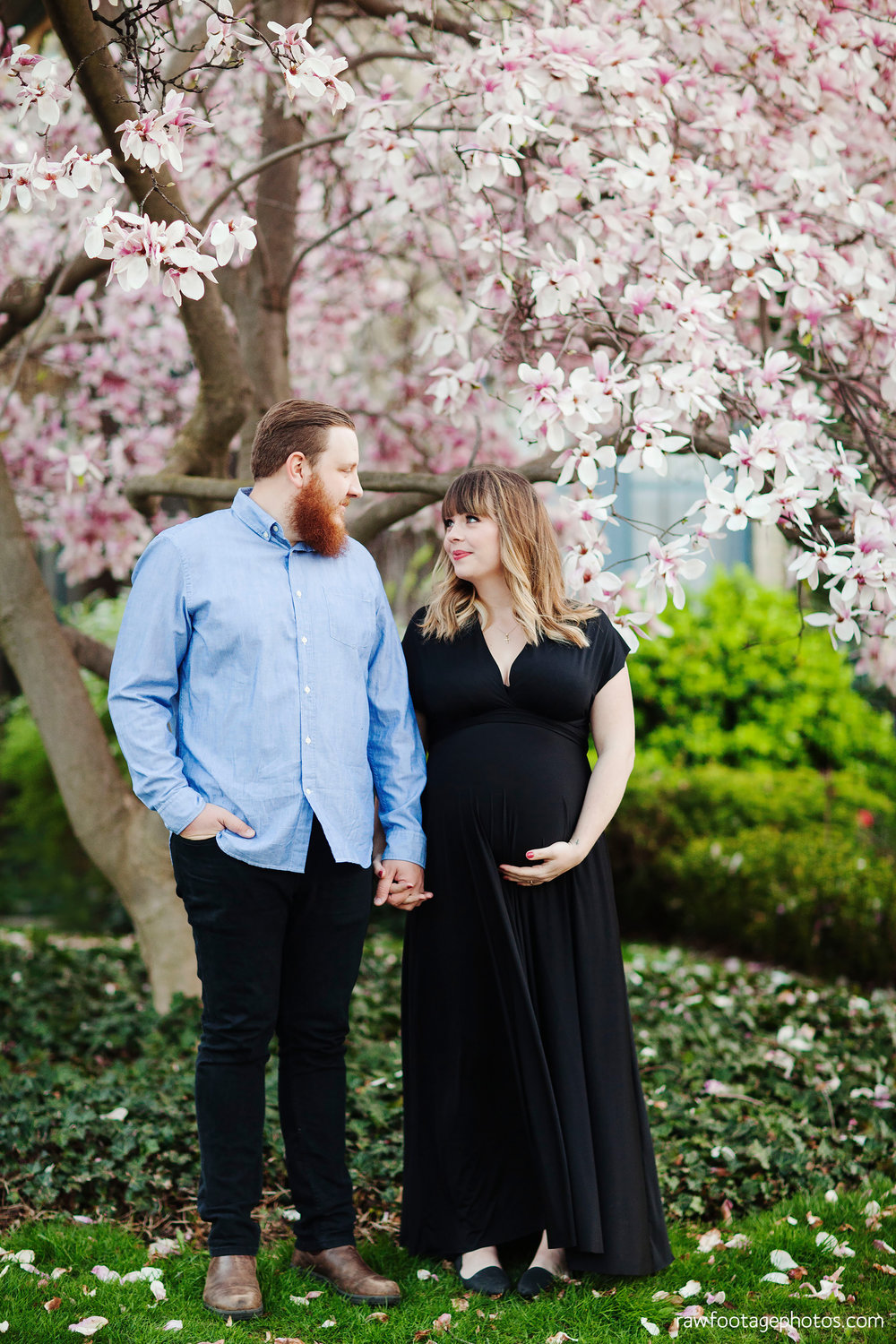 london_ontario_photographer-maternity_session-magnolia_blossoms-magnolia_tree-night_shot-lifestyle_photography-raw_footage_photography004.jpg