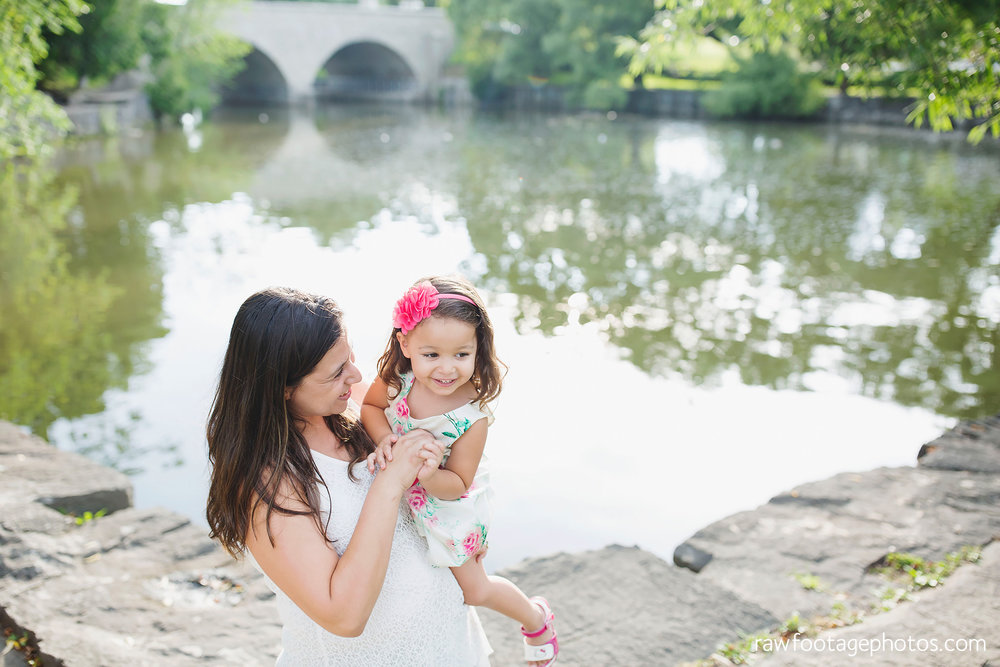 london_ontario_family_photographer-stratford_ontario_photographer-raw_footage_photography-lifestyle_photography-candid-golden_hour003.jpg