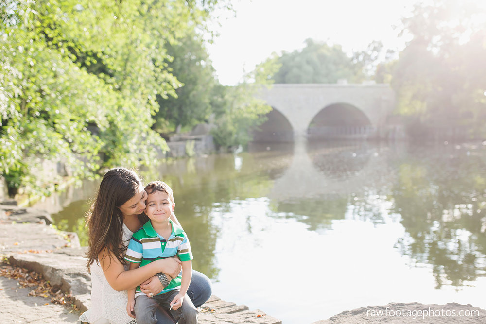 london_ontario_family_photographer-stratford_ontario_photographer-raw_footage_photography-lifestyle_photography-candid-golden_hour004.jpg