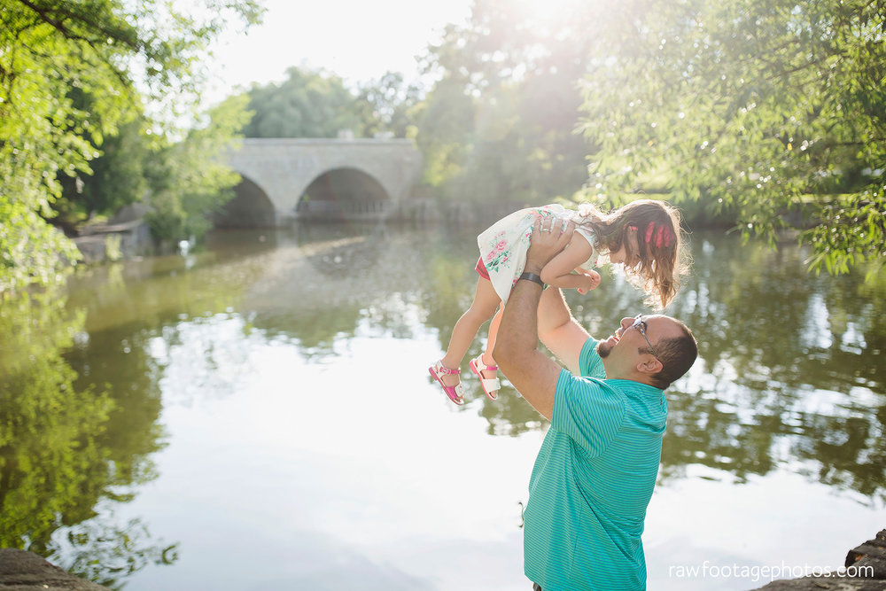 london_ontario_family_photographer-stratford_ontario_photographer-raw_footage_photography-lifestyle_photography-candid-golden_hour010.jpg