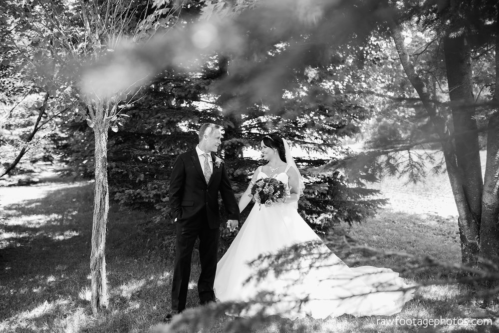 london_ontario_wedding_photographer-backyard_wedding-raw_footage_photography023.jpg