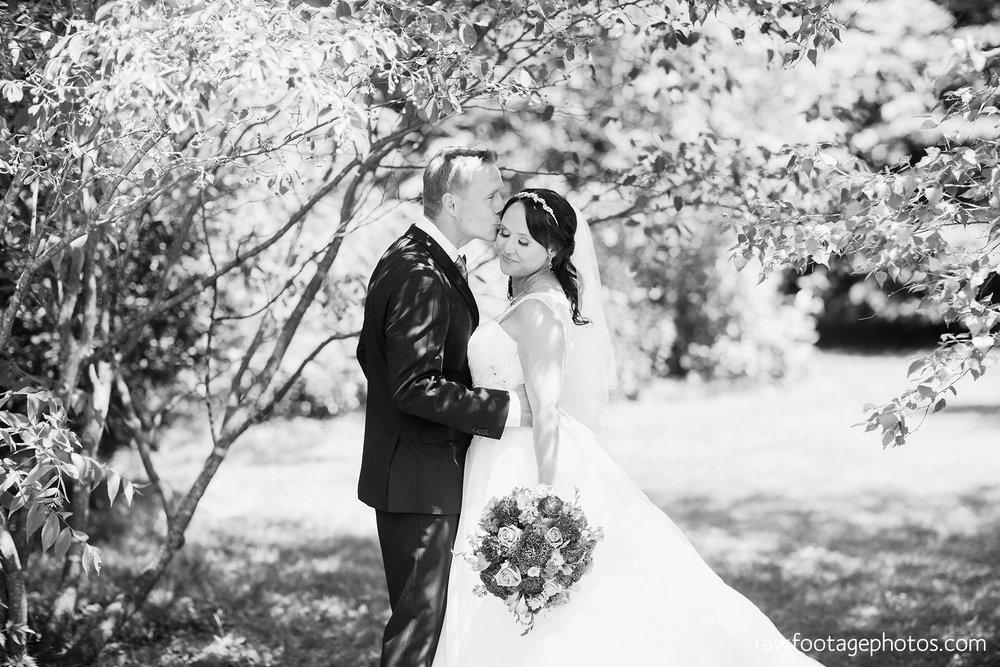 london_ontario_wedding_photographer-backyard_wedding-raw_footage_photography025.jpg