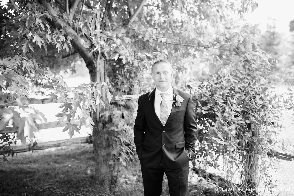 london_ontario_wedding_photographer-backyard_wedding-raw_footage_photography031.jpg